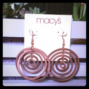 Copper colored dangly circle earrings